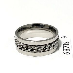 Spinner Ring, with silver tone chain wrap, Size 9